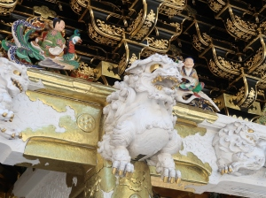 Lion sculpture on the Yomeimon gate
