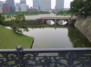 正門鉄橋(二重橋)から見た正門石橋 the Stone bridge from the Iron bridge of main gate