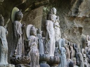 1500 hand-carved arhat sculptures
