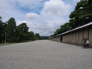 築地塀 Earthen wall